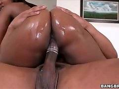Big Bottomed Black Babe Jumps On Fat Cock 2
